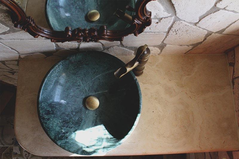 Ovolina verde Guatemala scavato a massello