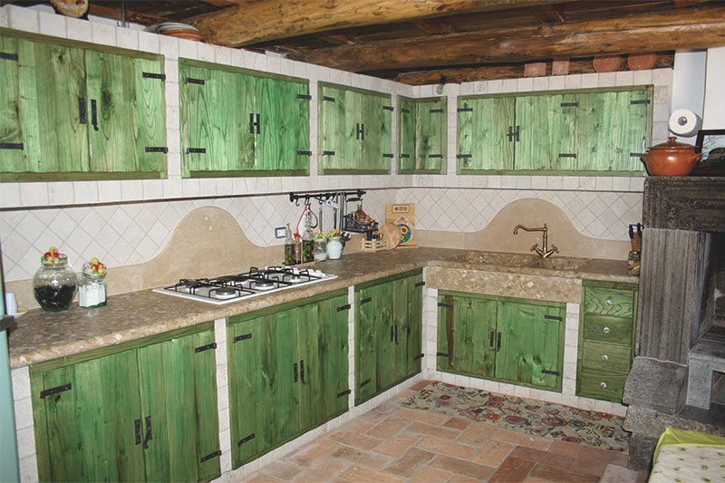 Cucina in travertino
