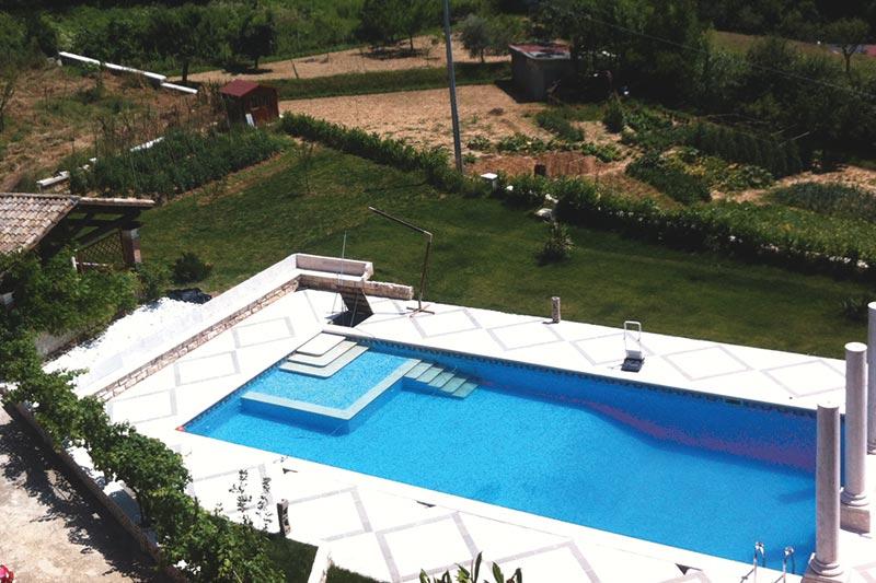 Pavimentazione esterna piscina